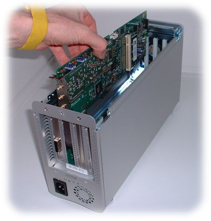 Insertion of full-length PCI-Express card into TB3F Docking Station